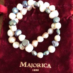 Jewelry - Two set Pearl bracelets